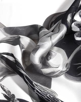 意大利 Roberto Cavalli 罗伯特卡沃利 黑白花色秋冬必备女士真丝丝巾