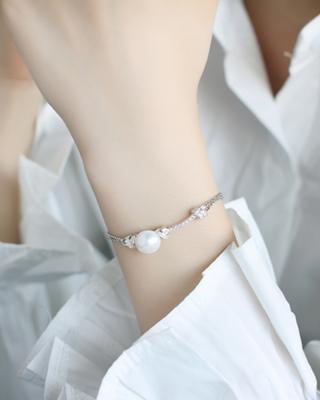 APM Monaco 纯银镶晶钻绳结珍珠手链